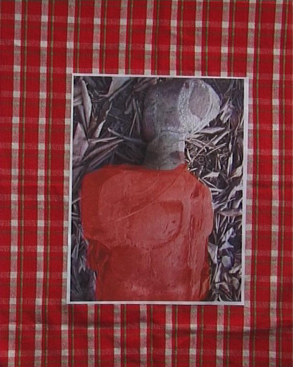 """Image collée sur serviette carreaux rouges - Tête ciment """"gauche """" 033"""