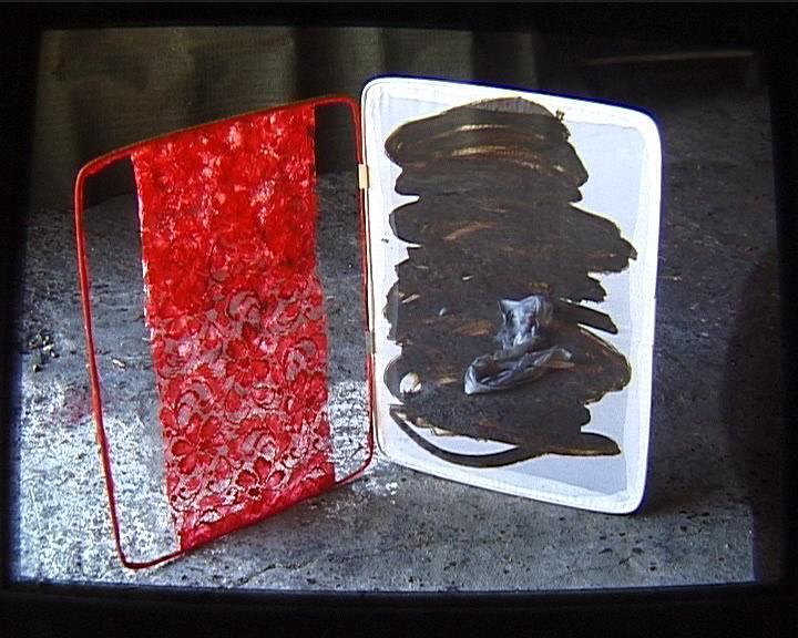Noir III 0 (31) Lucarne de la conscience guipure rouge